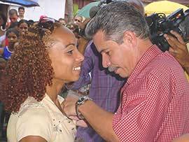Federación de Mujeres Cubanas otorga distinción a atleta granmense